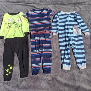 ♦️BOGO 50%Off♦️3 sets of pajamas